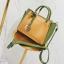 [ พร้อมส่ง ] - กระเป๋าถือ/สะพาย สีทูโทนเหลืองเขียว ใบเล็กกระทัดรัด ตกแต่งโลโก้ F เก๋ๆ ดีไซน์สวยเรียบหรู ดูดี งานหนังคุณภาพดี thumbnail 13