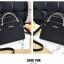 [ พร้อมส่ง ] - กระเป๋าแฟชั่น ถือ/สะพาย สีดำ ขนาดกระทัดรัด หนังสวยอยู่ทรงสวย ดีไซน์สวยเก๋ ดูดี งานหนังสวยมากค่ะ thumbnail 6
