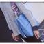 [ พร้อมส่ง ] - กระเป๋าสะพายไหล่แฟชั่น สีฟ้า ทรงถัง + กระเป๋าใบเล็ก 1 ใบ ดีไซน์สวยเรียบหรู ดูดี งานหนังคุณภาพดี พร้อมสายสะพายสุดเก๋ thumbnail 3