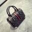 [ พร้อมส่ง Hi-End ] - กระเป๋าถือ/สะพาย ทรงหมอนใบกลางๆ สีดำ ลาย LV ดีไซน์สวยเรียบหรู ดูดีสไตล์แบรนด์ งานหนังคุณภาพดีแบบหนาไม่บาง thumbnail 3