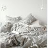 ผ้าปูที่นอน ลายเส้น-ดอกไม้ สีเทา-ขาว Multivariate