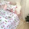 ผ้าปูที่นอน ลายเชอร์รี่ สีชมพู-ขาว