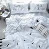 ผ้าปูที่นอนลายเส้น พื้นสีขาว-เทา พิมพ์ลาย