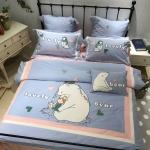 ผ้าปูที่นอนลายหมีขาว สีฟ้า งานปัก
