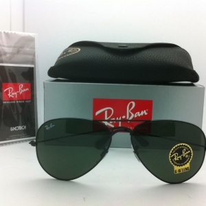 Ray Ban RB3025 L2823 Aviator Black Frame G-15 Lenses