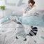 ผ้าปูที่นอน แรคคูน ฟ้า-ขาว สีพาสเทล thumbnail 2