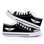 รองเท้าผ้าใบ BTOB สีดำ : เบอร์ 40