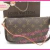 Louis Vuitton Monogram Canvas Pochette Accessoire **เกรดท๊อปมิลเลอร์** (Hi-End)