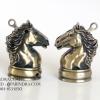 ไฟแช็คแก็ส แฟนซี รูปทรงหัวม้า สีทองเหลือง ตัวหมากรุกม้า ไฟธรรมดา