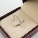 แหวนเพชรล้อมวง