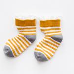 ถุงเท้าสั้น สีเหลือง แพ็ค 10 คู่ ไซส์ อายุประมาณ 4-6 ปี