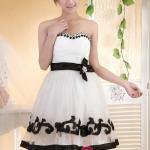 Pre-order ชุดแฟนซี ชุดราตรีสั้น สีขาว แต่งลูกไม้และปักลูกปััดสีดำ คอเว้า Sweet Heart