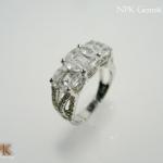 แหวนพลอยไวท์โทปาซ (White Topaz Silver Ring)