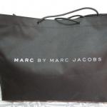 ของสมนาคุณ!! ประจำพรีออเดอร์รอบ22 กระเป๋าพรีเมียม MARC BY MARC JACOBS จากนิตยสารญี่ปุ่น มูลค่า 250 บาท สำหรับลูกค้าที่สั่งซื้อสินค้า ตั้งแต่ 5 ชิ้น เป็นต้นไป
