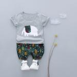 ชุดเซตเสื้อแขนสั้นสีเทาลายช้าง+กางเกงลายใบไม้สีเขียว [size 6m-1y-2y-3y]