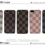 case iphone 5 เคสไอโฟน5 ตัวเคสทำจากหนังเทียม เป็นตารางลายสก๊อต คลาสสิค ขอบเป็นสีเงิน เท่ๆ มีหลายสี ทั้งสีหวาน และสีเข้มขรึม