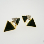 ต่างหูนิล (Onyx Earring with White Topaz)