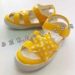 รองเท้าหนังหุ้มส้นลายดาวสีเหลือง size 30