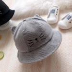 หมวกปีกผ้าลูกฟูกสีเทาแต่งลายหน้าแมว