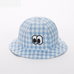 หมวกปีกลายสก็อตสีฟ้าลายดวงตา