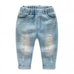 กางเกงยีนส์เด็กแต่งรอยขาดที่ขาสีอ่อน [size: 2y-3y-4y-6y]