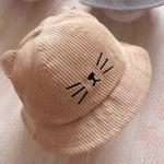 หมวกปีกผ้าลูกฟูกสีน้ำตาลแต่งลายหน้าแมว