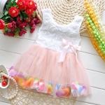 ชุดเดรสกลีบดอกไม้สีชมพูอ่อน