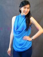 เสื้อชีฟองสีฟ้า คอจีนแต่งกระดุมมุก สามารถปลดกระดุมออกได้ เพิ่มความสวย เก๋ ด้วยผ้าถ่วงเป็นชั้นๆ