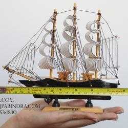 โมเดลเรือสำเภาไม้ขนาด 8 นิ้ว แต่งโต๊ะทำงาน สำหรับการตกแต่งบ้านและร้านค้าทั่วไป No.1