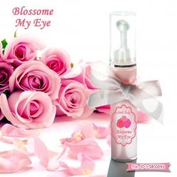 ลูกกลิ้งแก้ตาแพนด้า Blossom my eye จาก Little baby cream