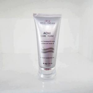 เรียวครีมโฟมถ่าน Realcream Acne Care Foam (โฟมถ่านหน้าใส) โฟมล้างหน้าถ่านกำจัดสิว ช่วยขจัดสิ่งสกปรก ช่วยลดการอักเสบของสิว ช่วยลดรอยแผลเป็นจากสิว