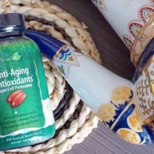 # ผิวไม่เหี่ยวแห้ง # Irwin Naturals, Anti-Aging Antioxidants, 60 Liquid Soft-Gels