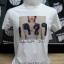 เสื้อยืดสีขาวพิมพ์ลายภาพพร้อมลายเซ็นต์ ด้วยระบบ DTG ดิจิตอล thumbnail 1