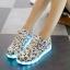 รองเท้าผ้าใบมีไฟ LED ลายโน้ตดนตรี (เปลี่ยนสีได้ 7 สี) thumbnail 2