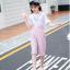 เสื้อ+เอี๊ยมกางเกง สีชมพู แพ็ค 5 ชุด ไซส์ 120-130-140-150-160 (เลือกไซส์ได้) thumbnail 2