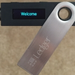 เลือกซื้อ Ledger Nano S กระเป๋าฮาร์ดแวร์เก็บบิทคอยน์เพื่อความปลอดภัยให้กับบิทคอยน์ของคุณ
