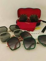 Gucci Oversize square frame metal sunglasses พร้อมเซทกำมะหยี่