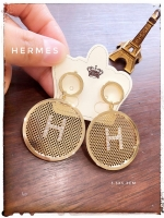 ต่างหู H งานสวยดีไซน์ เก๋ ใส่สบายนน.เบามากๆคร่า Made in China