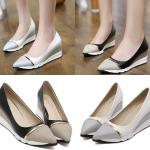 รองเท้าส้นเตารีดทรงคัดชูปลายแหลมสีขาว/ดำ ไซต์ 34-39