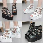 รองเท้าส้นเตารีดลายดอกไม้เล็กๆน่ารักๆสีดำ/ขาว ไซต์ 35-39