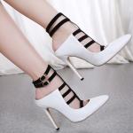 รองเท้าส้นสูงปลายแหลมสีขาว ไซต์ 35-40