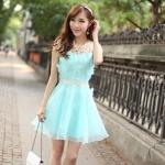 # พร้อมส่ง # เดรสผ้าไหมแก้วสีฟ้าแขนกุด คอ ไหล่และเอวเป็นผ้าถักสีครีม ตัวชุดแต่งด้วยผ้าตัดเป็นรูปผีเสื้อ