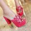 รองเท้าส้นสูงแบบสวมส้นหนาแต่งดอกไม้หรูๆสีดำ/ชมพูอ่อน/ชมพูเข้ม/ขาว/เงิน ไซต์ 34-43 thumbnail 4