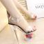 รองเท้าส้นแก้วใสแต่งดอกไม้ผ้าด้านในส้นพื้นสีดำ/ขาว ไซต์ 34-39 thumbnail 2
