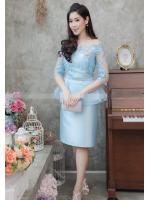 (Size M,L,XL,2XL) ชุดไปงานแต่งงาน ชุดไปงานแต่ง สีฟ้า เปิดไหล่ผ้าไหมเอวระบาย ดีเทลที่คอแต่งด้วยดอกไม้อย่างดีเป็นงานเย็บด้วยมือ และที่เอวแต่งระบายด้วยผ้าออแกนซา 2ชั้น