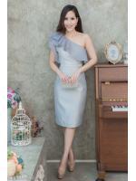 (M,L) ชุดไปงานแต่งงาน ชุดไปงานแต่งสีเทา Set เสื้อบ่าเฉียง มีดีเทลที่ตัวเสื้อแต่งระบายด้วยผ้าออแกนดี้อย่างดี ด้านในเย็บซับในทั้งตัว มาพร้อมกระโปรงผ้าไหมสีพื้น ทางร้านใช้ผ้าไหมอย่างดีเกรดพรีเมี่ยม