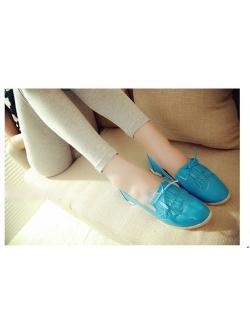 รองเท้าหนัง PU สีฟ้าสดใส