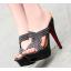 รองเท้าส้นสูงแบบสวยสีครีม/ดำ ไซต์ 34-39 รุ่นนี้แนะนำ +1 จากไซต์ที่ใส่ปกติ thumbnail 2