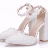 รองเท้าเจ้าสาวส้นหนาปลายแหลมสีขาว ไซต์ 36-41