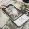 iPhone 7 Plus - เคส TPU หลังนุ่มนิ่ม 3D ลายแมวขาว กองหนังสือ